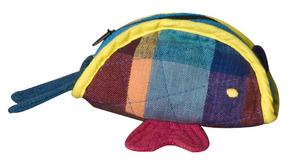 Liten tøypung formet som en fisk
