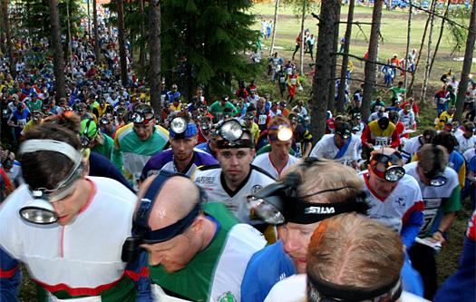 Herrestarten i finske Jukola-stafetten med sine 1.500 lag er et unikt skue. Foto: Geir Nilsen/OPN.no.