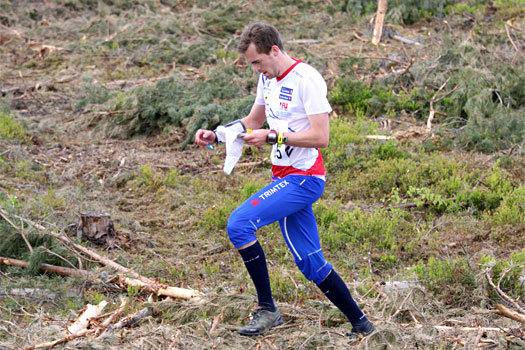 Magne Dæhli underveis i VM-uttaksløpet over langdistanse  i Hønefoss og Ringerike 2012. I mål var han nummer 2, kun slått av Olav Lundanes. Foto: Geir Nilsen/OPN.no.