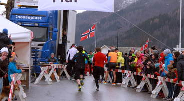 Innspurt i Esefjorden Rundt 2013, eit sikket v&aring;rtegn