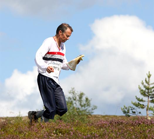 Øyvin Thon, flerfaldig verdensmester i orientering, ute på postjakt under O-Ringen i Sälen 2008. Foto: Geir Nilsen/OPN.no.