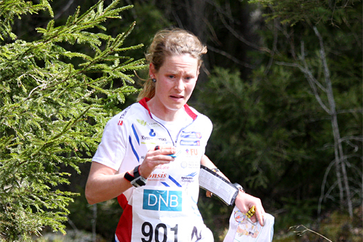 Mari Fasting i Smaaleneneløpet og på vei mot totalseier i Østfold O-weekend 2013. Foto: Geir Nilsen/OPN.no.