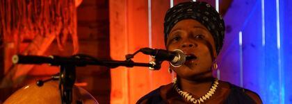 Tatiana Ahisou frå Trio Teriba, Benin. Foto : Rune Garmann