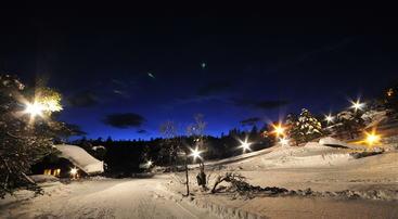 Flomlyst skiarena i Saurdal i klar januarkveld, foto Erik Hoel