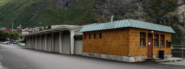 Bilete av kaihus på Årdalstangen