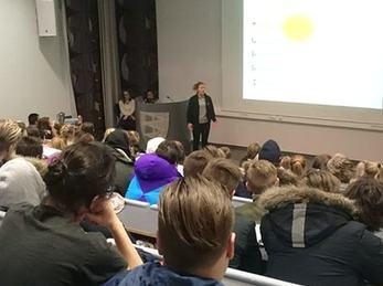 forelesning i auditoriet