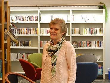 bibliotekaren i biblioteket, Liv Strømmen heiter ho.