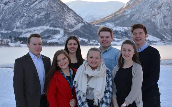 Ungdomspolitisk utval (UPU) i Sogn og Fjordane. F.v. Dag Henrik Nygård, Madlen Lehmann, Dorthea Keilegavlen Grane (nestleiar), Sofie Sundberg (leiar), Rune Holsen Nygård, Oline Nave (vara), og Ruben Skrede (vara).