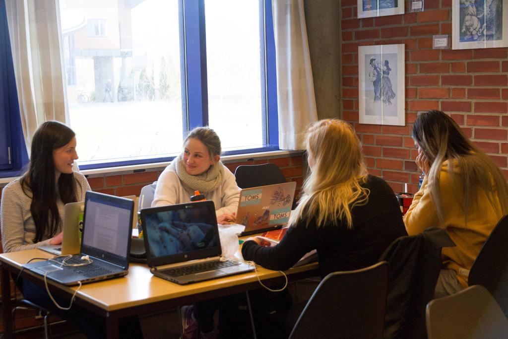 Elevar ved Hafstad vgs - Foto - Jim Steven T Igland.jpg