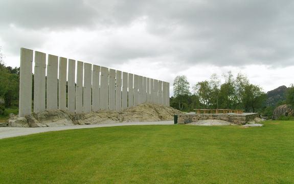 Monument ved Gulatinget tusenårsplass