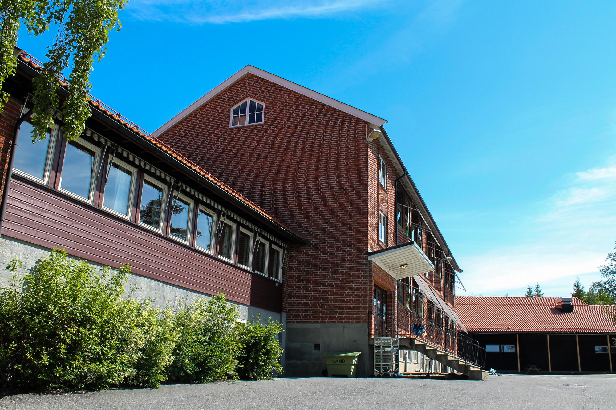 Båstad skole cropped  1535x  778