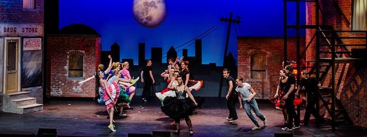 Dansegruppe under skulemusikal