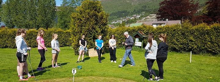 Ekskursjon til golfbana på Stokkenes
