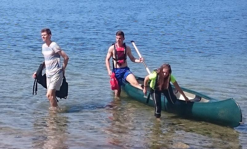Elevar i kano.