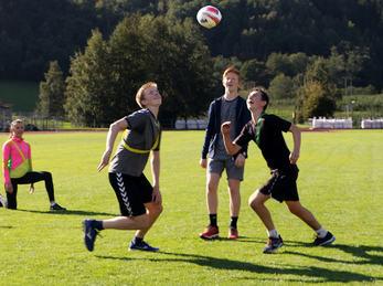 Bilete syner elevar ved Idrettsfag i rugbykamp