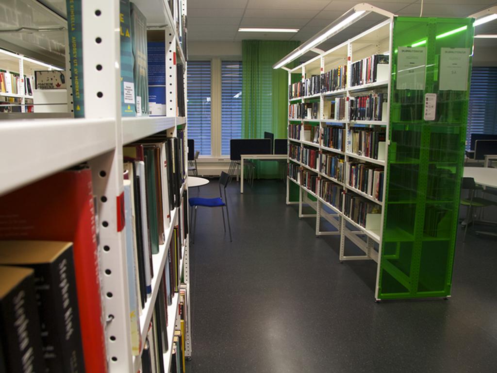 Biblioteket - bokreoler.jpg