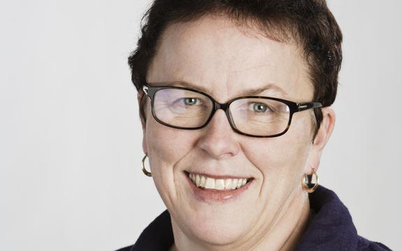 Tett profilbilde av Clara Øberg