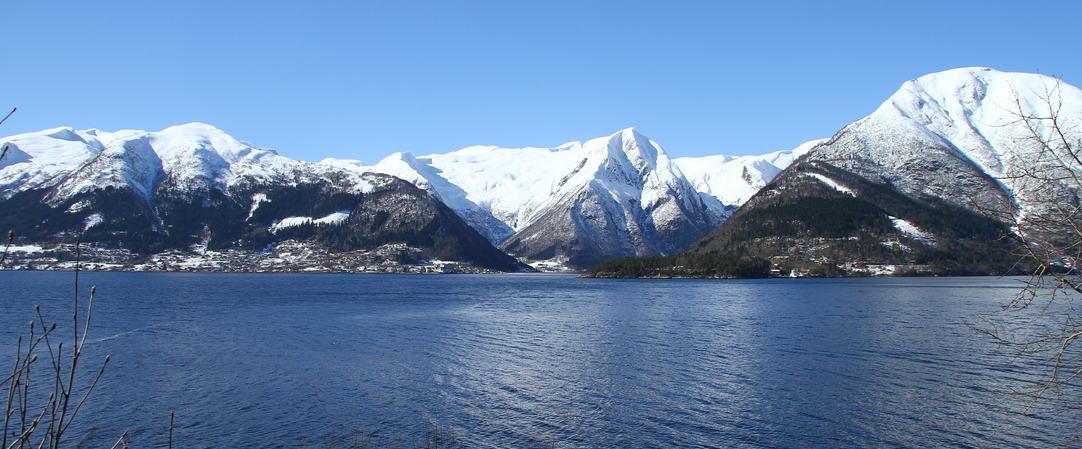 Panorama vinter i Balestrand, foto jh