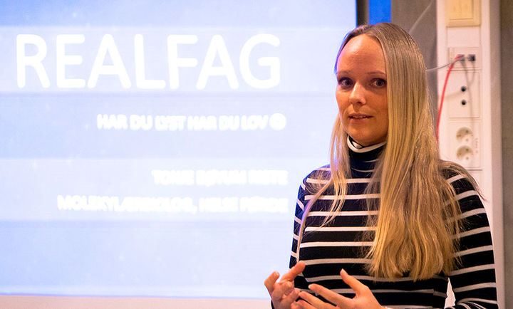 Besøk i undervisninga på Hafstad vgs, av molekylærbiolog Tonje Bøyum Riste
