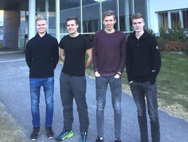 Jørgen Myklebust, Arne Olai Midtbø, Lars Tore Sjåstad og Håvard Berge representerer Eid vidaregåande skule og Sogn og Fjordane. Dei konkurrerer i grønt entreprenørskap i Trondheim