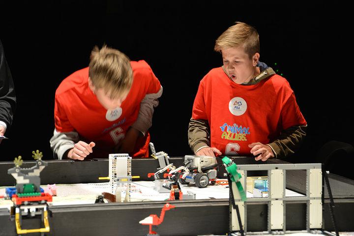 Frå FLL i 2016. Volda legoklubb vant robotkonkurransen