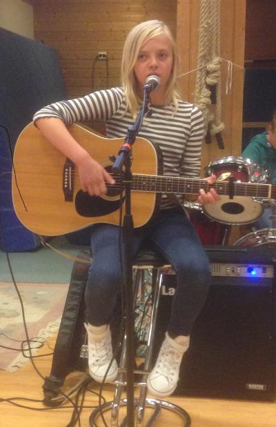 Ei flott stemme og ein gitar