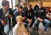 Voilà un groupe de Blindern videregående qui a choisi Emil comme alibi français. Ils trouvent le café international sympa mais apprécient surtout d´échapper aux cours...