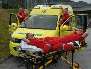 ambulanse-elevane ved MOY