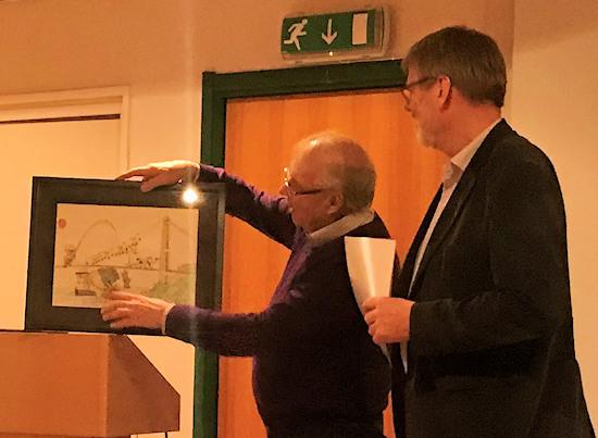 Karstein Totland får prisen. Foto: Ragvald Tangedal