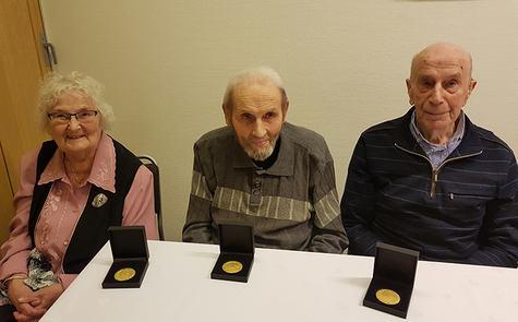 Dei tre veteranane, frå venstre Ella Bjørneklett, Alfred Bjørneklett og Ingolf Matre