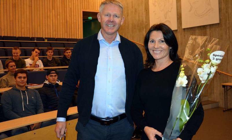 Årets entreprenørskapslærar Sonja Øvre Flo og Holger Aasen    Foto: Roy Aron Myklebust Fjordingen