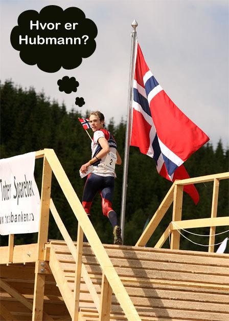 Audun Hultgreen Weltzien løper inn til seier i Nordic Orienteering Tour 2010. Foto: Geir Nilsen / OPN.no.
