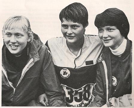 Sølvjentene fra VM-stafetten i 1979. Fra venstre: Anne Berit Eid, Brit Volden og Astrid Carlson. Faksimile NOF-posten nr. 2-80. Foto: Svein Kvalheim.