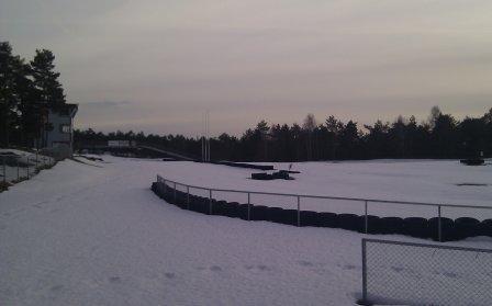 Lørdagskjappen arena 2011 dekket av snø. Foto: Arrangøren.