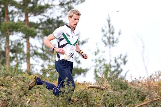 Håvard Lucasen underveis i VM-uttaksløpet over langdistanse  i Hønefoss og Ringerike 2012. Foto: Geir Nilsen/OPN.no.