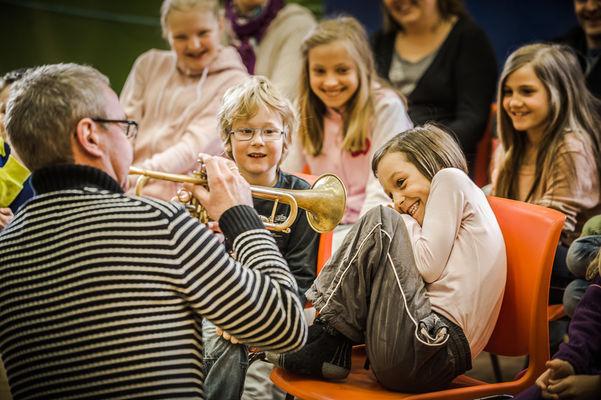 Bilete frå ein konsert i DKS med distriktsmusikarar i Sunnfjord.