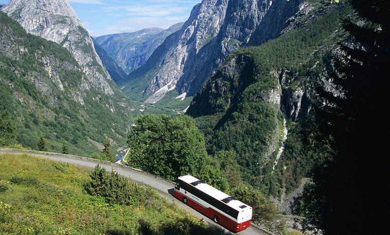 Buss på Aurlandsfjellet.