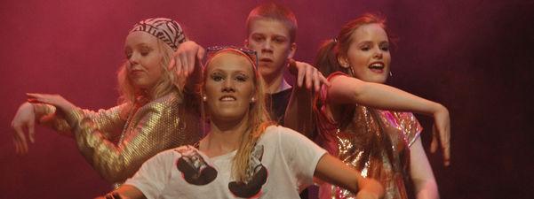 Dansegruppa In Motion frå Luster. Foto: Martin Andreas Aasen Vikesland.