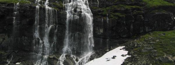 Vannfall ved utløpet av Svarteboten. Foto: Torbjørn Hasund