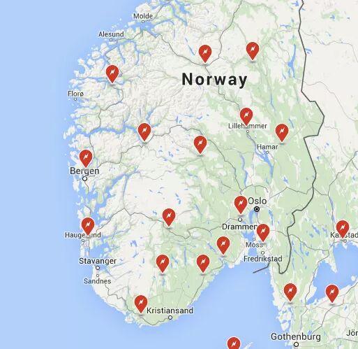 kart over ladestasjoner Tesla supercharger, hurtigladarar og semihurtigladarar på plass i  kart over ladestasjoner
