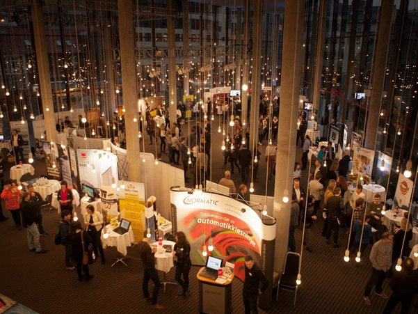 Karrieremesse med mange bedriftstands i Grieghallen, Bergen