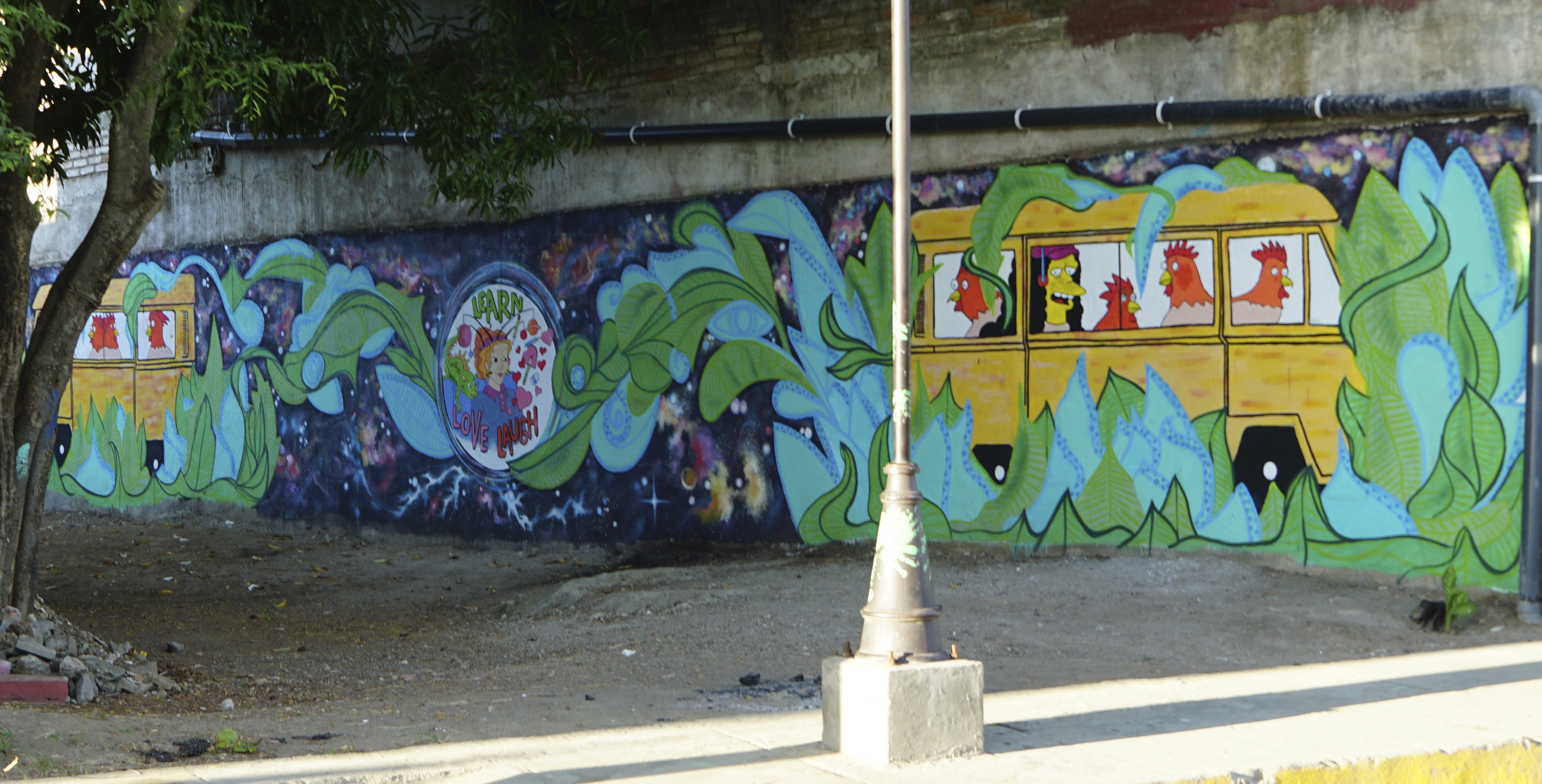 Grafitti på vegg.