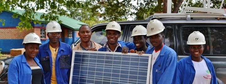 elevar frå yrkesskulen Flora vgs har støtta i Malawi sidan 2011