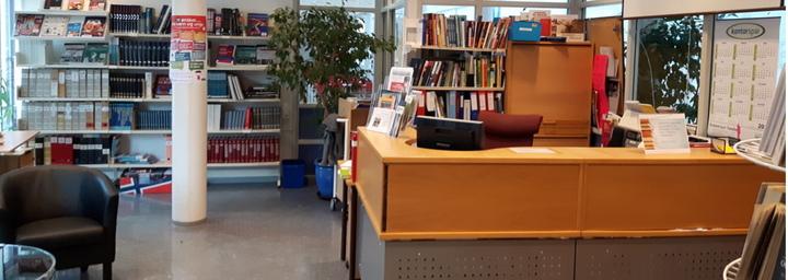 Bilete av biblioteket på Øyrane