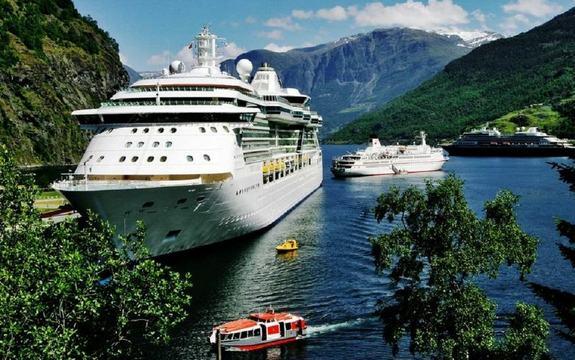Fleire cruiseskip på fjorden