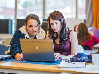 Elevar og datamaskin