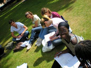 Elevar lærer i parken