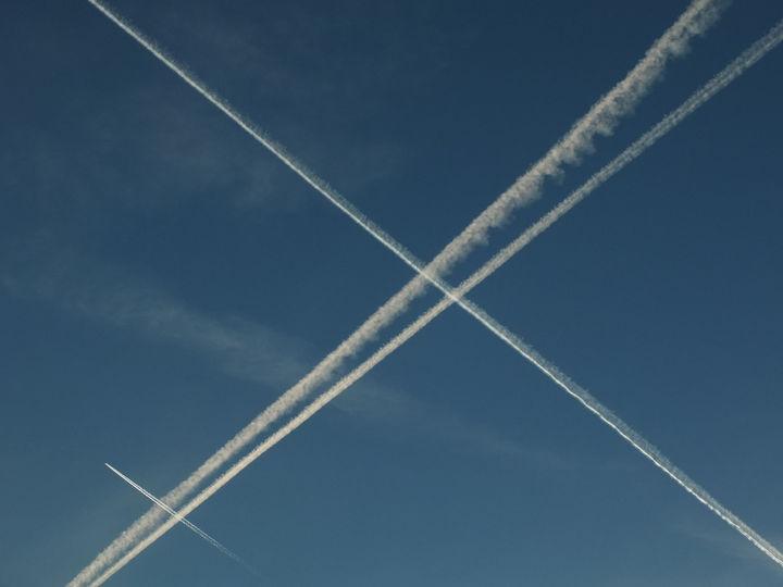 flyspor i himmelen