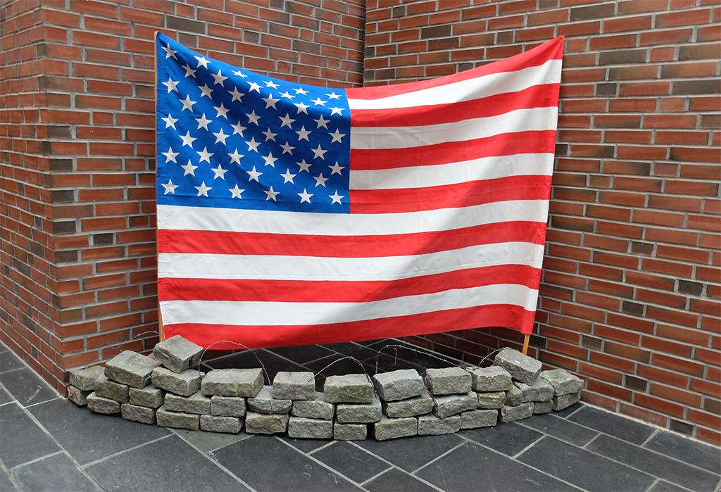 VG3 Welcome to Amerika.jpg