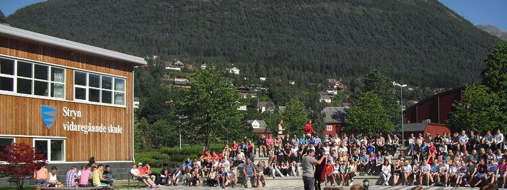 Elevar på Kåre Roseths plass